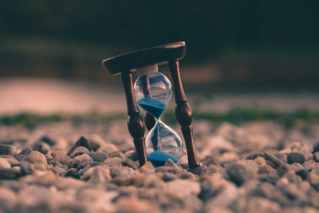 sablier avec temps qui decoule